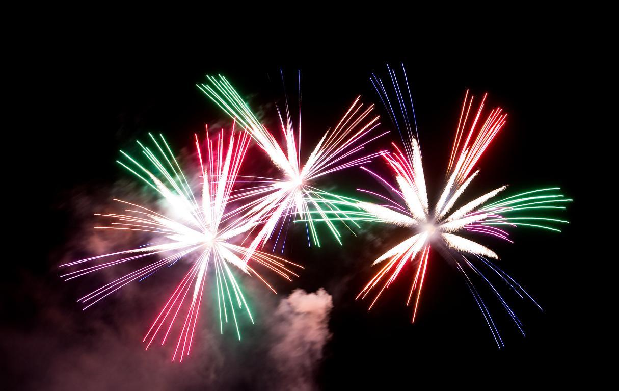 Feuerwerk zu Hochzeit unterhalb des Jahres kaufen