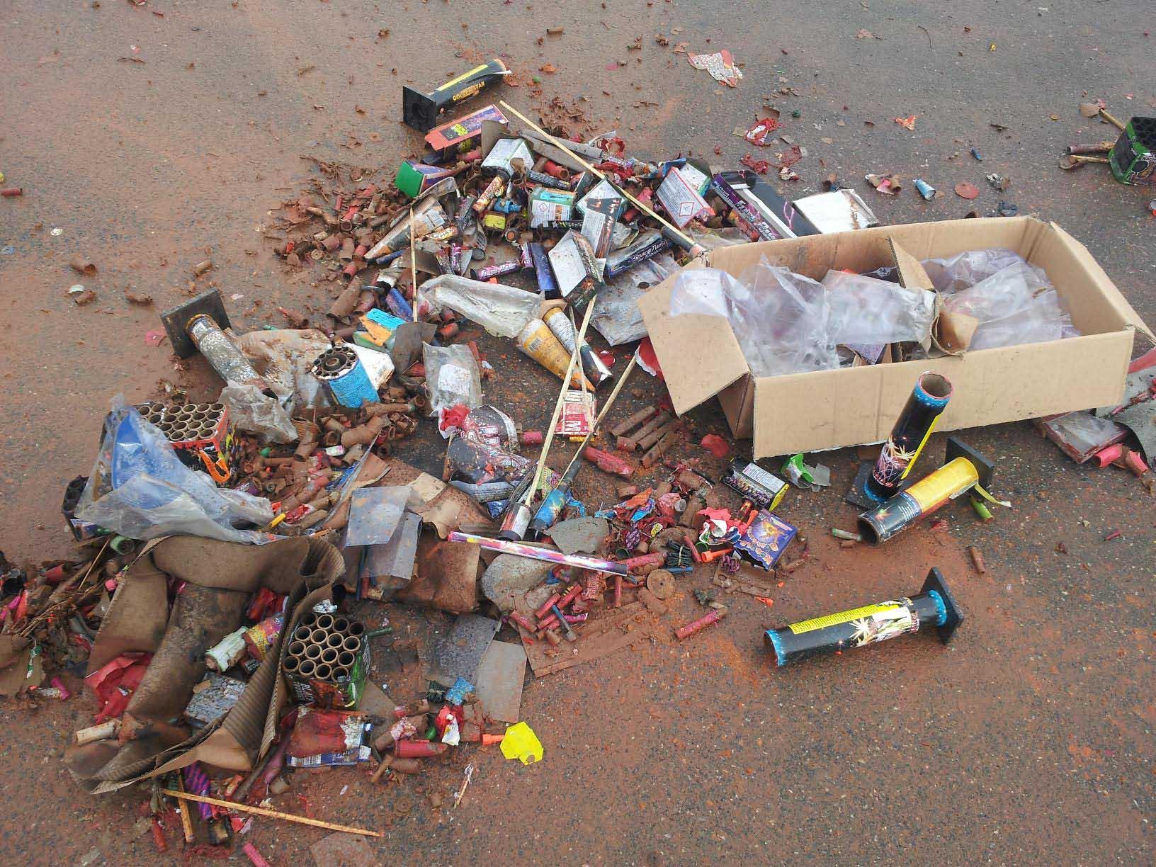 Zünden von Feuerwerkskörper Restbeständen