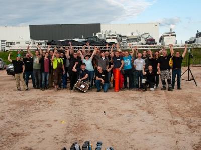 Glückliche Teilnehmer eines Feuerwerk Workshops