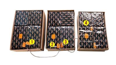 Verbundfeuerwerke mit Zündschnur zu einem Komplettfeuerwerk verbunden, nur 1x anzünden und komplettes Feuerwerk genießen.