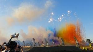 Verwendung von Rauchkometen und Rauchbomben bei Feuerwerkshows und in Tagfeuerwerken