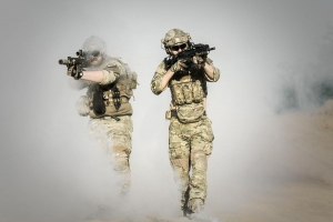 Rauchgranaten und Rauchbomben werden bei Militär und Polizei zur Sichtbehinderung eingesetzt