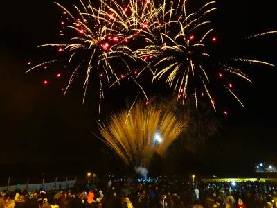 Viele Feuerwerk-Fans besuchen unseren Feuerwerk Test und bestaunen live die Neuheiten an Feuerwerkskörpern